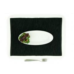 Malý oválny tanier s diviakom