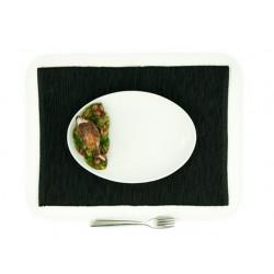 Malý široký oválny tanier...