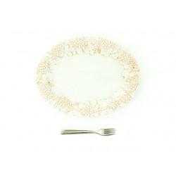 Malý oválny tanier s hroznom